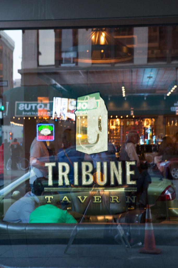 tribune_6
