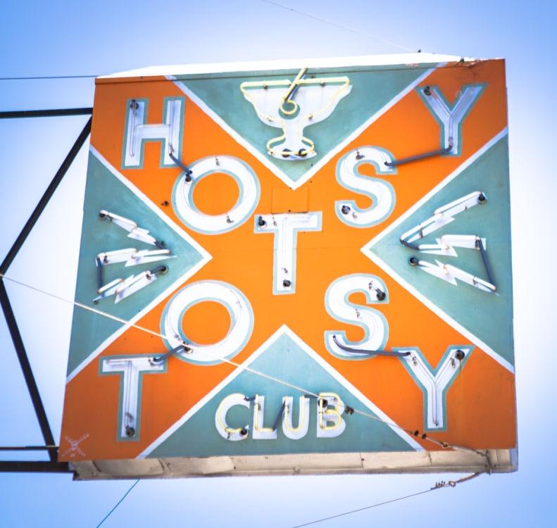 Hotsy Totsy/Tacos El Autlense